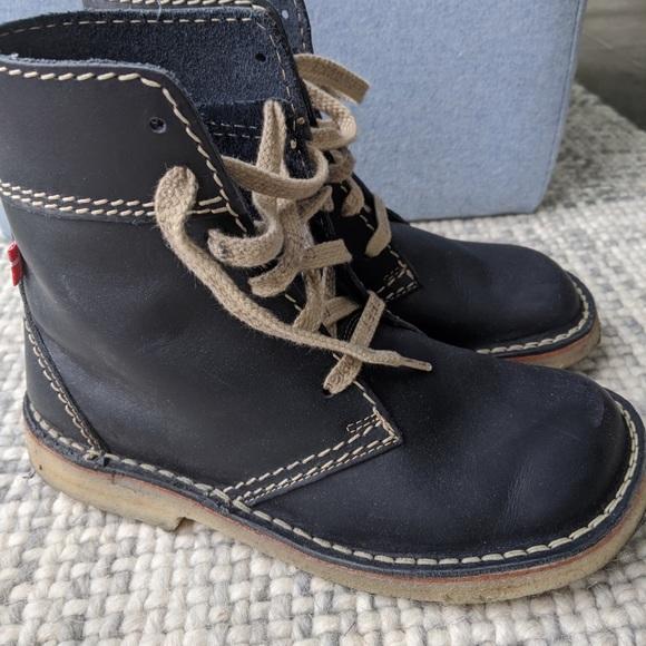 Duckfeet Shoes - Women's Danish Duckfeet blue leather boots, size 8